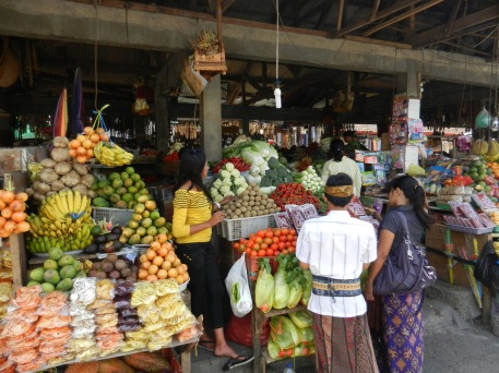 candikuning-fruits-market.jpg