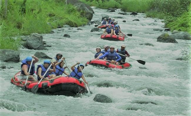 telaga-waja-Rafting2.jpg