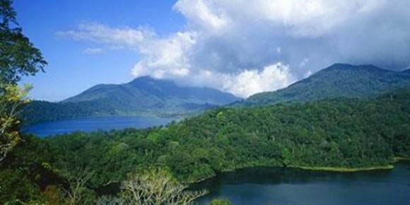 Twin-Lake2.jpg