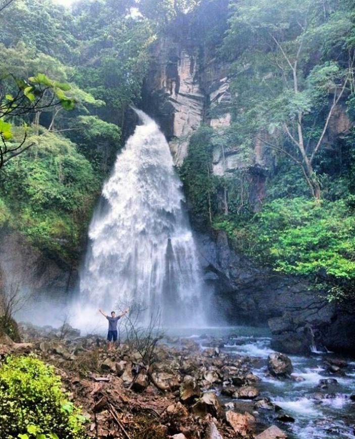 waterfall, www.balilocaltourguide.com.jpg