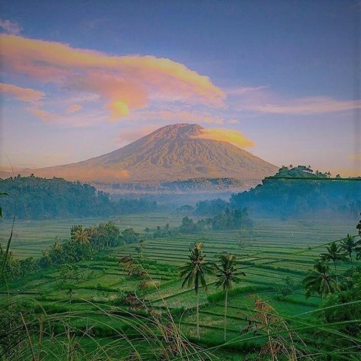 www.balilocaltourguide.com, agung mountain view.jpg