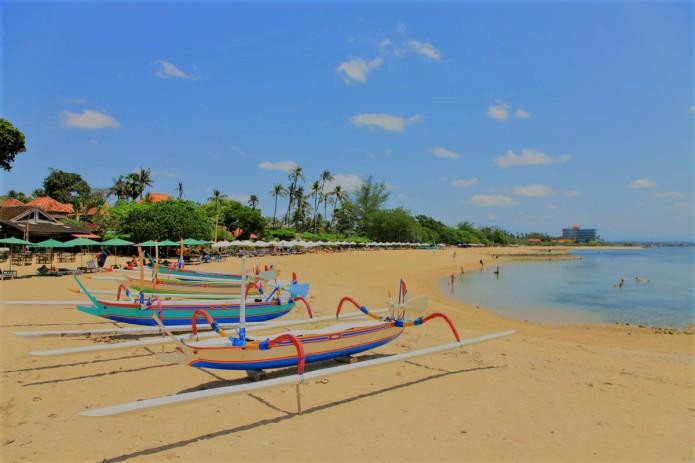 sanur beach, www.balilocaltourguide.com.jpg